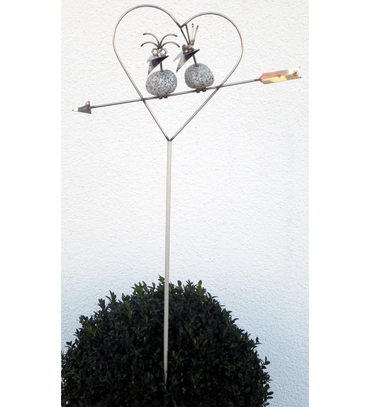 Gartenstecker Steinvogel Pärchen im Herz auf Pfeil ca. 140cm aus Granit und Edelstahl