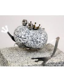 Steintier Frosch Kiss me aus Granit und Edelstahl