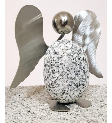 Engel ca. 10cm hoch aus Granit und Edelstahl